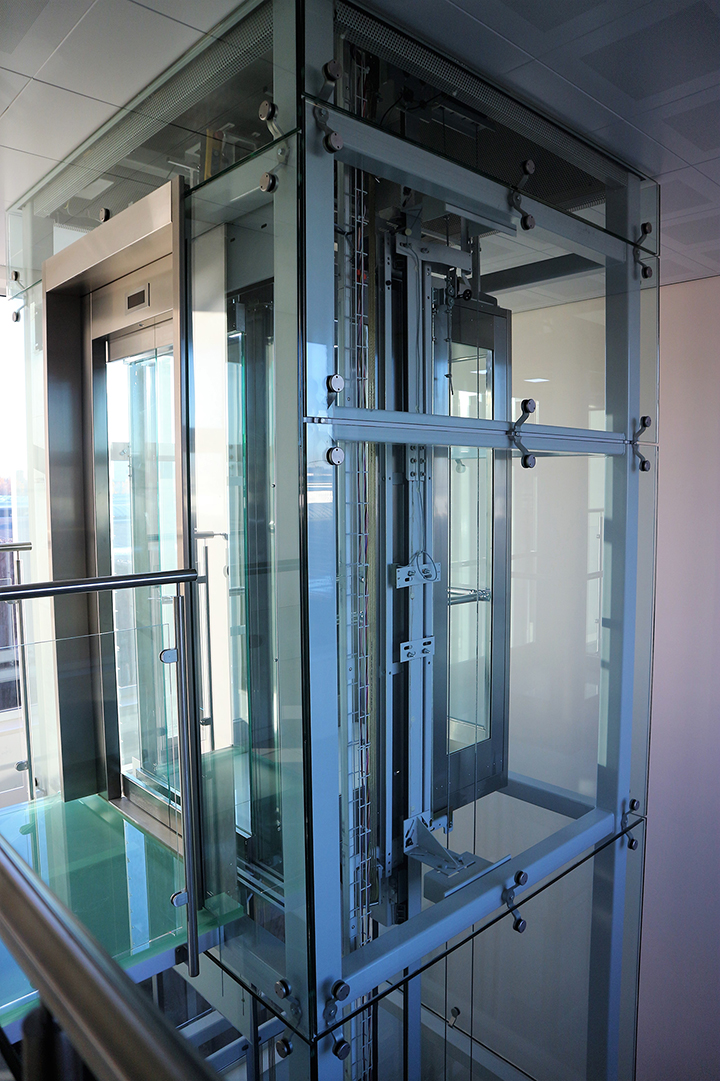 Lift in glas